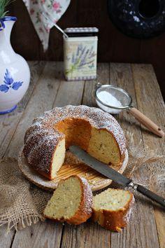 Bundt cake de lavanda y quark :: Levandulová bábovka s tvarohem