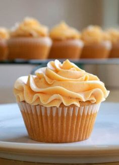 Peach Cupcakes with Peach Buttercream Frostingl