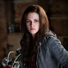 Everyone says i look like Kristen Stewart and alot of people says she is ugly well I don't think she's ugly. So i'm happy people say i look like her