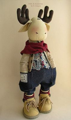 handmade Elk Ashton,oh gosh I LOVE him! Christmas Moose, Christmas Sewing, Christmas Stockings, Christmas Crafts, Moose Crafts, Moose Toys, Fabric Animals, Fabric Toys, Cat Doll
