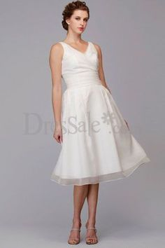 2012 Fresh Looking Simple Design V-Neck Sleeveless Wedding Dress with Delicate Ruche Detail $138.00