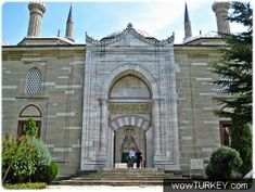 Edirne - Selimiye Mosque. Main entrance to the inner courtyard.