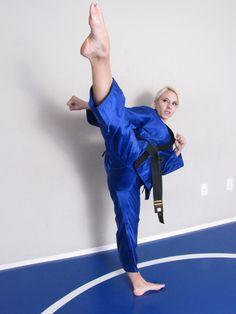 Female Martial Artists, Martial Arts Women, Roundhouse Kick, Karate Girl, Jiu Jitsu, Barefoot, Girls, Harem Pants, Ballet Skirt