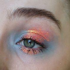 @illamasqua eyeshadow in anja   @litcosmetics glitter in solar blast S3  @elizabetharden 8 hour cream