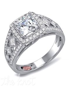 whhhhat this is gorgeous!! nice thick band and a square diamond :)