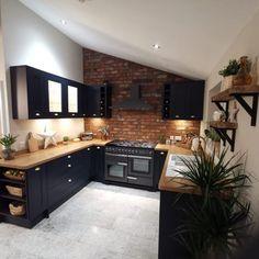 Open Plan Kitchen Living Room, Kitchen Room Design, Modern Kitchen Design, Home Decor Kitchen, Interior Design Kitchen, Home Kitchens, Brick Slips Kitchen, Exposed Brick Kitchen, Flat Interior Design