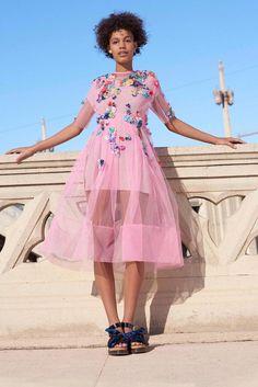 c03e076cf1d Chic robe de cocktail tulle rose pour mariage comment s habiller bien quand  on est