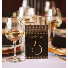SALE Table Numbers Great Gatsby Black and Gold Art Deco Wedding... (45 BRL) ❤ liked on Polyvore featuring home, home decor, gold home accessories, art deco home decor, gold wedding invitations, black home decor and inspirational home decor
