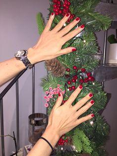Red for Xmas mood! #ff #ukbloggers #bbloggers #londonislovinit #england #style #fashion #fashionista #streetstyle #manicure #nails #fall #chanel #rednails #xmas