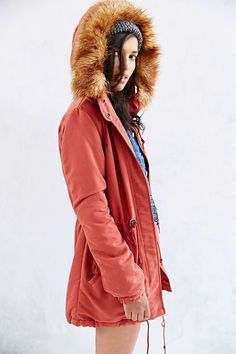 OBEY Knightsbridge Sherpa-Lined Parka - Urban Outfitters