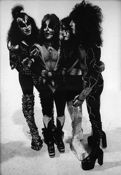 anything-for-my-baby: Kiss 1976 (X) Kiss Images, Kiss Pictures, Kiss Group, Pop Group, Los Kiss, Vinnie Vincent, Eric Carr, Peter Criss, Rock Bands