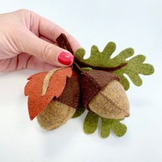 Your place to buy and sell all things handmade Fall Felt Crafts, Autumn Crafts, Felt Diy, Felt Flowers Patterns, Felt Animal Patterns, Stuffed Animal Patterns, Needle Felted Animals, Felt Animals, Felt Wreath