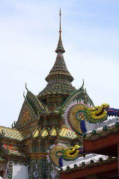 Wat Po or Wat Phra Chetuphon, Bangkok, Thailand; photo by HellonEarth2006, via Flickr