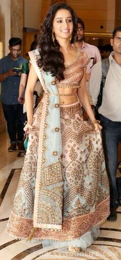 Do you need the best Designer Indian Saree including products such as Latest Elegant Designer Sari and Elegant Design Sari Blouse then Click Visit link for more details Indian Wedding Outfits, Indian Outfits, Dress Wedding, Indian Attire, Indian Wear, India Fashion, Asian Fashion, Lehenga Choli, Red Lehenga