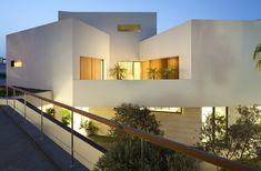 Star House by AGi Architects