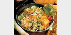 Valmista Aurinkoinen pastasalaatti tällä reseptillä. Helposti parasta! Cobb Salad, Cantaloupe, Koti, Fruit, The Fruit
