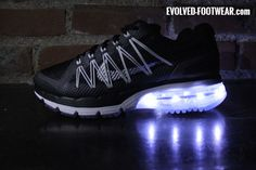 NIKE AIR MAX EXCELLERATE WITH WHITE LIGHTS