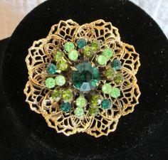 Vtg Pretty Gold Filigree & Shades of Green Raised Rhinestones Floral Brooch/Pin