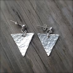 Hammered Silver Triangle Earrings / 925 Sterling Silver Post Earrings / Geometric Jewelry by MuffyandTrudy on Etsy