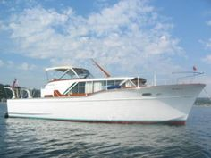 40' Chris Craft Constellation Express...love sailboats, but really. That's alot of work.