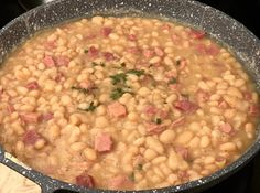 Navy & Great Northern Bean Soup With Spiral Ham. – Food With Zach Navy Bean Recipes, Bean Soup Recipes, Ham And Beans, Ham And Bean Soup, Navy Bean Soup, Spiral Ham, Soup Beans, Chowder Soup, Great Northern Beans