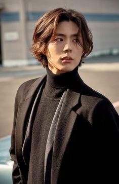 Park Bo-gum to Debut as Singer in Japan Asian Actors, Korean Actors, Park Bo Gum Wallpaper, Park Go Bum, Mullet Hairstyle, Korean Men Hairstyle, Kim Jisoo, Hair Reference, Korean Celebrities