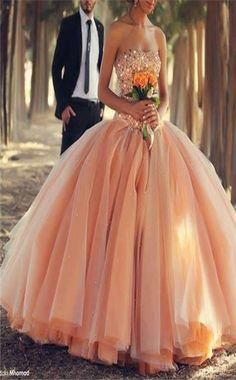 leaning to have colorful wedding dress when I get married thanks to this dress