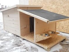 - Cats and Dogs House Pallet Dog House, Dog House Plans, Modern Dog Houses, Cool Dog Houses, Tyni House, Dog Hotel, Animal Projects, Pet Home, Dog Crate