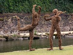 willow sculpture of a violinist and a dancer Bird Sculpture, Outdoor Sculpture, Art Sculptures, Garden Sculpture, Recycled Garden, Recycled Art, Miguel Angel, Land Art, Willow Garden