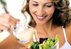 A saladinha de todo dia já perdeu a graça e a sua dieta está correndo risco? Abra mão dos molhos que incrementam o prato.
