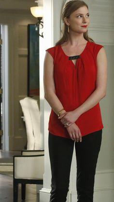 Revenge - Serie TV - moda - fashion - look - style - estilo - inspiration - inspiração - calça - pants - top - camisa - blouse - blusa - shirt - red - vermelha - Trouve - elegante - elegant - Amanda Clarke - Emily Thorne (Emily VanCamp)