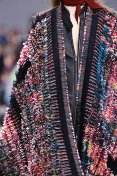 Chloé Fall 2016 Ready-to-Wear Fashion Show Details