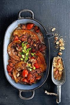 indische speklapjes in ketjap-tomatensaus Indian pork chops in sweet soy sauce delicious. Chicken Recipes For Two, Healthy Chicken Recipes, Pork Recipes, Asian Recipes, Healthy Meals For Kids, Good Healthy Recipes, Low Carb Brasil, Healthy Slow Cooker, Delicious Magazine