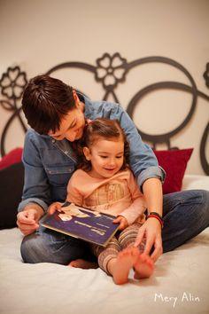 "© Mery Alin Photography - Fotógrafo Valencia - Retratos - Familias - Niños - bebes - Reportajes - Lactancia - Luz natural - meryalin.com - Teléfono: 963 145 338 Teléfono Móvil:(+34) 652 675 677  Serie fotográfica ""El trabajo de lactancia NATURALMENTE"" #spain #portrait #lifestyle #meryalin #España #fotografía #retrato #creativo #interactivo #valencia #natural #prolactancia #lechematerna #crianza #apego"