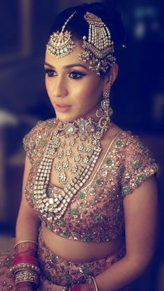 Looking for the perfect Indian Bridal Jewellery to compliment your wedding outfit? Look no further! check out our inspiration gallery for amazing ideas! Indian Wedding Jewelry, Indian Bridal Wear, Asian Bridal, Indian Jewelry, Indian Weddings, Real Weddings, Pakistani Bridal, Indian Wear, Sabyasachi