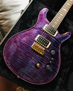 Cool purple PRS Custom 24 from @ian_xingang_yan #prs #prsguitars #prscustom24 #custom24 #guitar #purpleguitar #studio33guitar