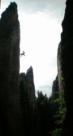 http://www.rajzazitku.cz/2-sportovni-zazitky/376-horolezectvi-a-slanovani.htm