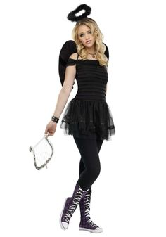 Become a beautiful angel straight from the heavens! Fallen Angel Teen Halloween Costume includes a black dress with sheer skirt, matching black angel wings. Cute Teen Costumes, Costumes For Teenage Girl, Halloween Costumes For Teens Girls, Halloween Outfits, Girl Costumes, Costume Ideas, Duo Costumes, Friend Costumes, Halloween Fashion