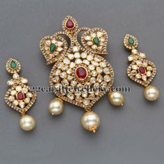 Jewellery Designs: Pachi Pendant with Earrings by Mangatrai