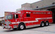 LAFD rescue   LAFD USAR 5, 2005 Pierce Arrow XT, LAFD #60672, Pierce #16404-02