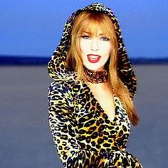 That Don't Impress Me Much by Shania Twain (1998). Adore!!