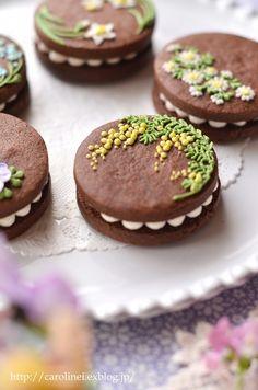 友チョコに、春の花のアイシングチョコレートクッキーサンド Homemade Icyng Cookie Sandwiches