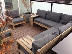 Home - Website Modern Garden Furniture, Pallet Patio Furniture, Diy Furniture Couch, Furniture Design, Backyard Patio Designs, Diy Patio, Bar Lounge, Home Decor, Yard Landscaping