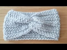 TUTO comment réaliser un un HEADBAND/bandeau au crochet facile et rapide toutes tailles - YouTube Headband Bandeau, Bandeau Crochet, Creations, Beanie, Hats, Fashion, Tuto Tricot, Easy Crochet, Bandeaus