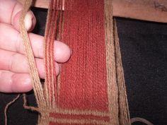 PASO A PASO N° 12 ÑIMIN (HILOS FLOTANTES)   reflejos aborígenes Weaving, Gold Necklace, Crochet, Blog, Style, Textiles, Fabric Samples, Weaving Techniques, Inkle Loom