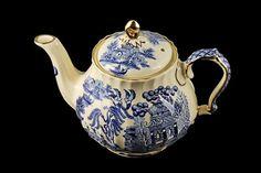 Sadler Teapot Blue Willow Lidded Teapot by MountainAireVintage
