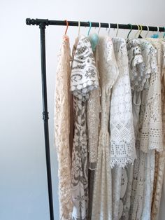 Free tutorial: DIY Clothes Rack
