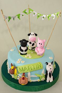 Torta de la granja. Animalitos modelados con pasta de modelar, todo comestible. #farmcake #tortadegranja www.virkasbakery.com.ar Farm Animal Cakes, Farm Animal Party, Farm Party, Cowboy Theme Party, Cowboy Birthday, Farm Birthday, Buttercream Cake, Fondant Cakes, Farm Cake