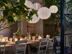 Garden lighting decoration ideas using lanterns Outdoor Rooms, Outdoor Dining, Outdoor Furniture Sets, Outdoor Decor, Ikea Outdoor, Outdoor Ideas, Small Gardens, Outdoor Gardens, Garden Lighting Decoration