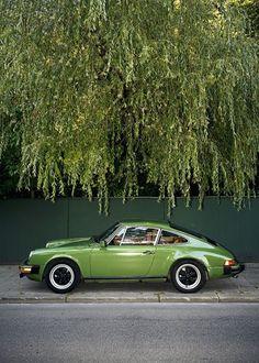Green Porsche!
